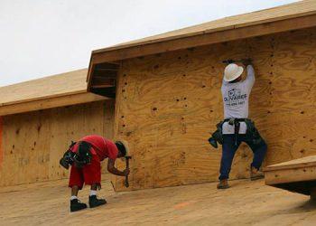 La mayoría de migrantes en los Estados Unidos trabaja en actividades de servicios y de la construcción.