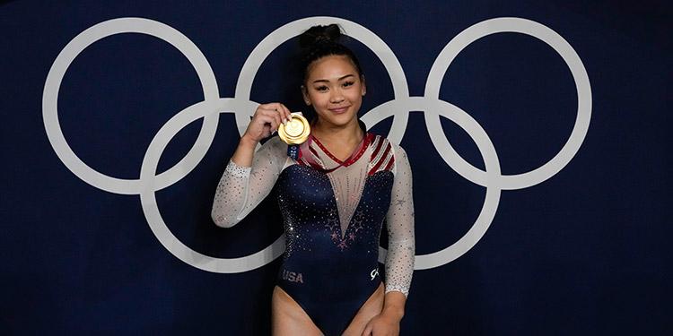 Lee ganó el oro en la más prestigiosa competencia de gimnasia.