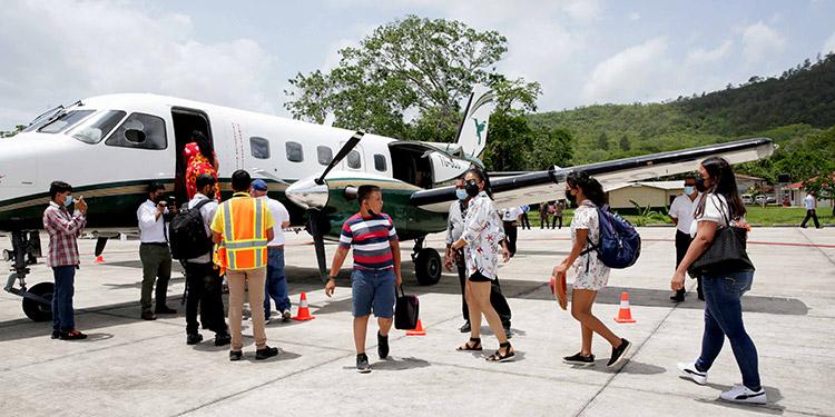 La Ley de Pasajes Baratos y la reactivación de los aeródromos reactivará el turismo en el país.
