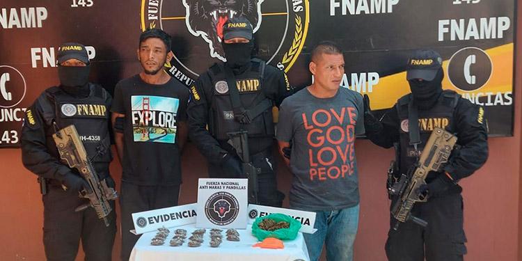 """Los dos detenidos de la banda """"El Tilo"""", fueron remitidos ante las autoridades judiciales."""