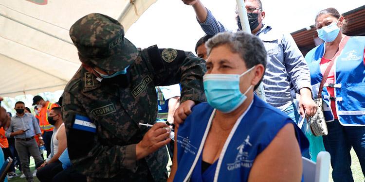 Honduras tiene asegurados 14 millones de dosis de vacunas contra el COVID-19.