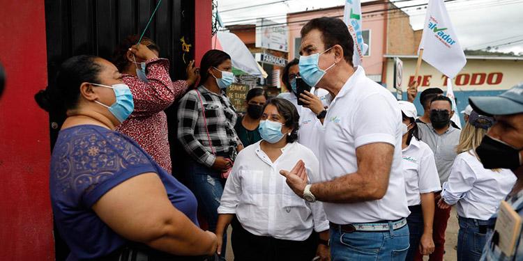 Además de su candidato a alcalde por Talanga, los acompañaron sus candidatos a diputados, entre ellos Suyapa Figueroa.