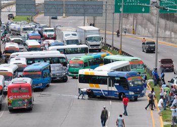 L450 millones en bonos ha otorgado el gobierno a transportistas.