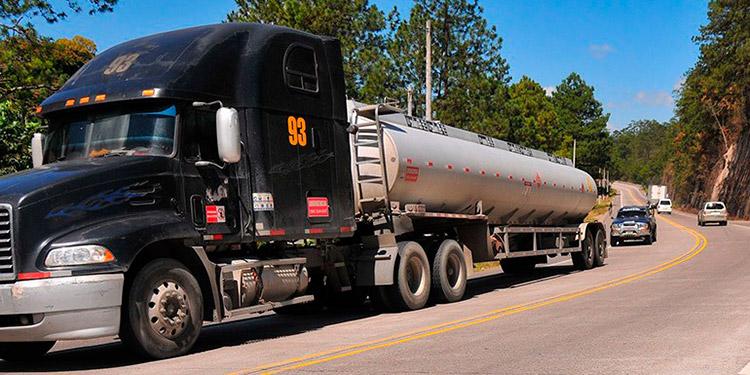 La compra anual de carburantes ronda los 21 millones de barriles.
