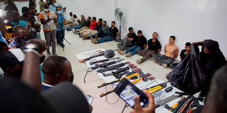 Haití arreció la operación policial para capturar a los autores del asesinato del presidente Jovenel Moïse y anunció la detención de 28 supuestos implicados, en su mayoría colombianos. (LASSERFOTO AP)