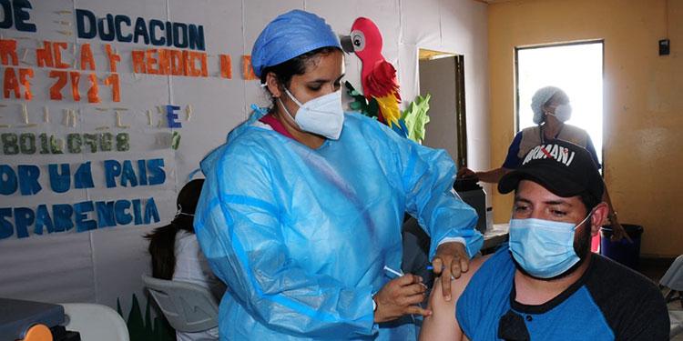 A partir de ayer se comenzó con la aplicación de la segunda dosis de la vacuna anticovid de las farmacéuticas Pfizer y Moderna.