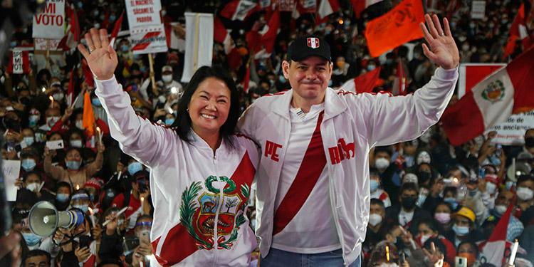 Un fiscal anticorrupción peruano lideró el allanamiento e incautación de dos inmuebles vinculados a Mark Vito, el esposo de la candidata presidencial Keiko Fujimori. (LASSERFOTO EFE)