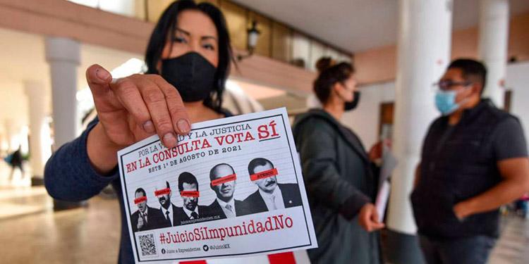 La campaña para la realización del referéndum del 1 de agosto, en el que los mexicanos podrán decidir si se enjuicia por corrupción a cinco expresidentes, arrancó el jueves.