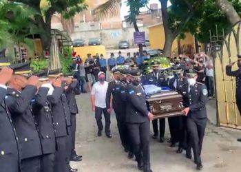 El oficial Wilson Amador se destacó por su gran vocación de servicio, así como su disciplina en cada labor encomendada, según sus compañeros de institución policial.