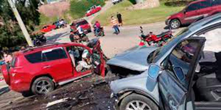 1,400 personas han salido lesionadas en accidentes viales.