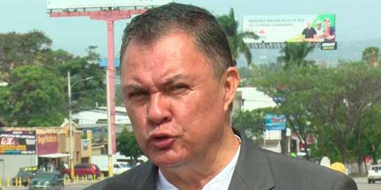 Tony García.
