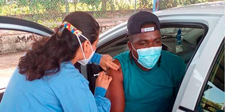 La meta de las autoridades es que en la próxima semana se tenga una cobertura de entre 8,000 a 10,000 pilotos inmunizados.
