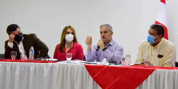 Rosenthal recordó que la mayoría de los hondureños considera que las 600 caídas hicieron sentir a los hondureños que su voto no valió nada.