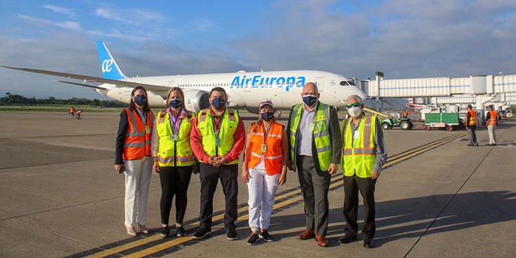 Aumenta los vuelos semanales a 2 y se sitúa en niveles precovid al duplicar su operativa.