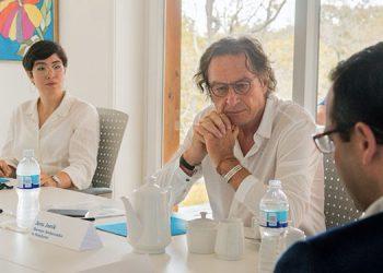 El embajador de Alemania en Honduras, Jens Janik, visitó el proyecto ZEDE Próspera en Roatán para tener una idea completa del desarrollo.