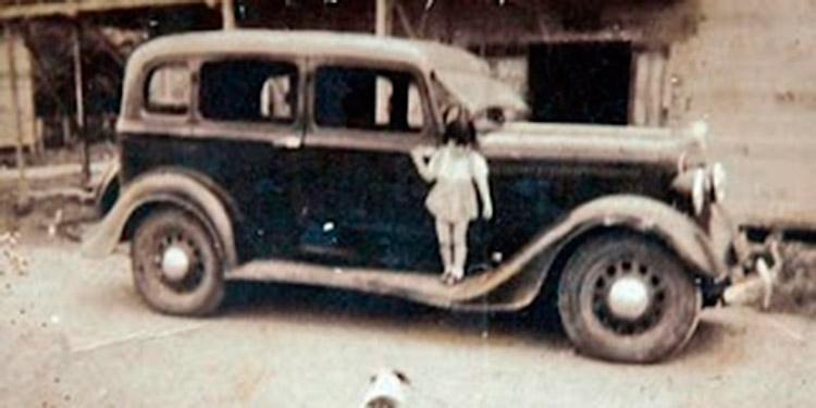 Aquellos pocos autos que recorrieron las descongestionadas callejuelas tegucigalpenses a principios de siglo pasado.