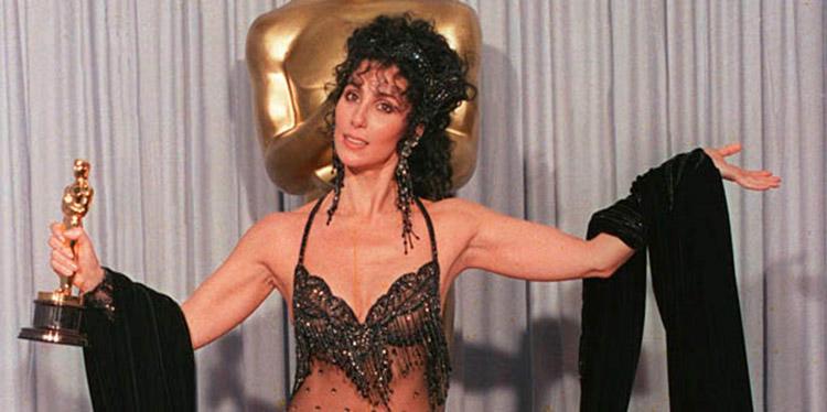 Cher. Veterana con cuerpo escultural. 75 años.