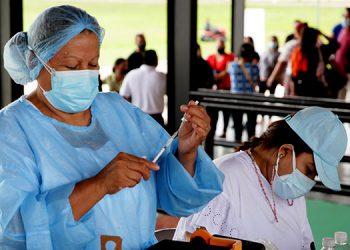 Un total de 1,235,497 hondureños han sido vacunados por la Secretaría de Salud y el Instituto Hondureño de Seguridad Social (IHSS) desde el 25 de febrero a la fecha.