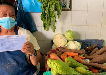 Hasta la fecha se ha vacunado a más de 1 millón 200 mil hondureños, entre ellos, vendedores de los mercados.