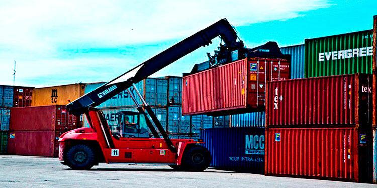 Además de las remesas, la economía hondureña refleja recuperación, esto impulsa la demanda de dólares para importaciones de materia prima y bienes de consumo.