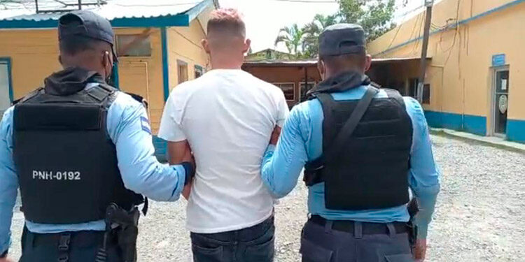 El encausado fue detenido por la Policía y será presentado ante los juzgados por el delito de homicidio.