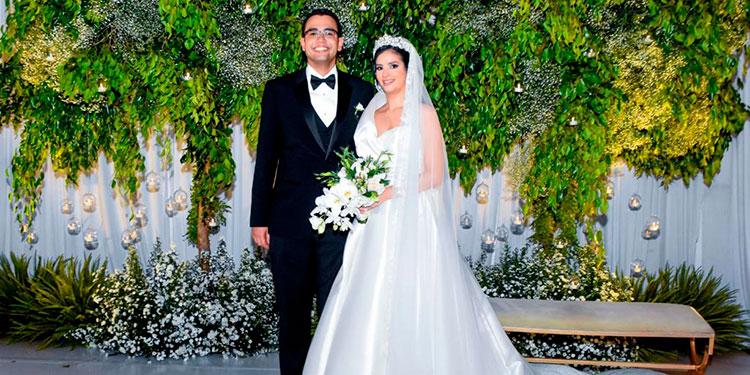 Sara Elizabeth Euceda y  David Leonardo Flores.
