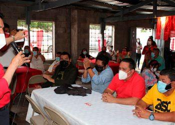 La reunión de dirigentes del distrito 15 del Partido Liberal, en la capital, fue presidida por el candidato a diputado, Eliseo Castro.