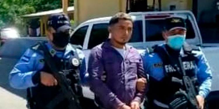 El detenido fue remitido ante las órdenes del juzgado competente.