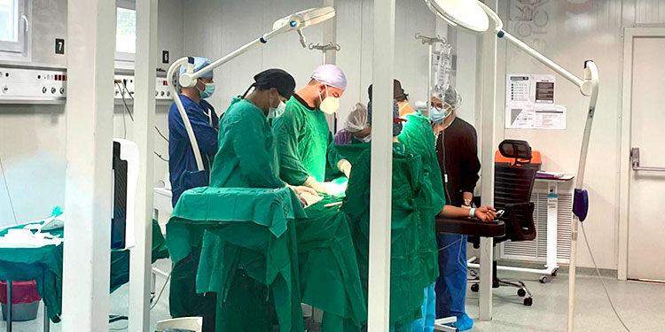 Los pacientes son trasladados desde el HEU hasta esos quirófanos o son citados para las cirugías requeridas.