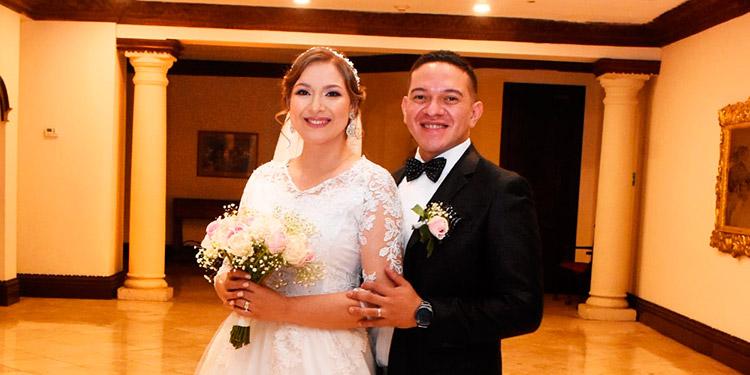José Marino Pineda Cruz y Cynthia Rossana Almendarez Martínez.