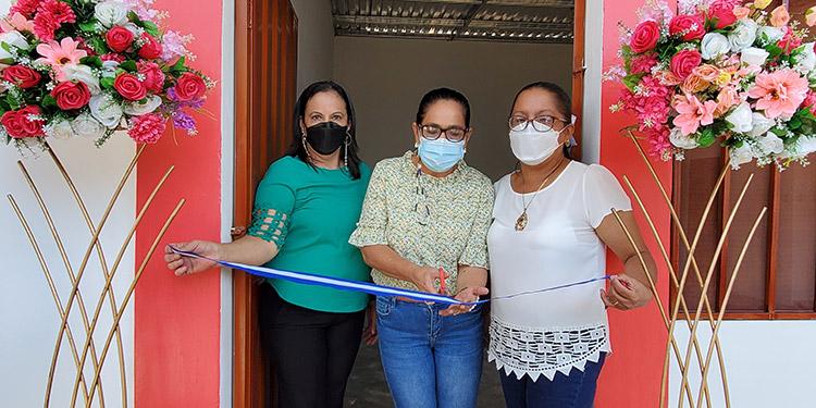 """La inauguración de las instalaciones del jardín de niños """"José Cecilio Baide"""", marca la historia del centro que rentó un local por 19 años."""