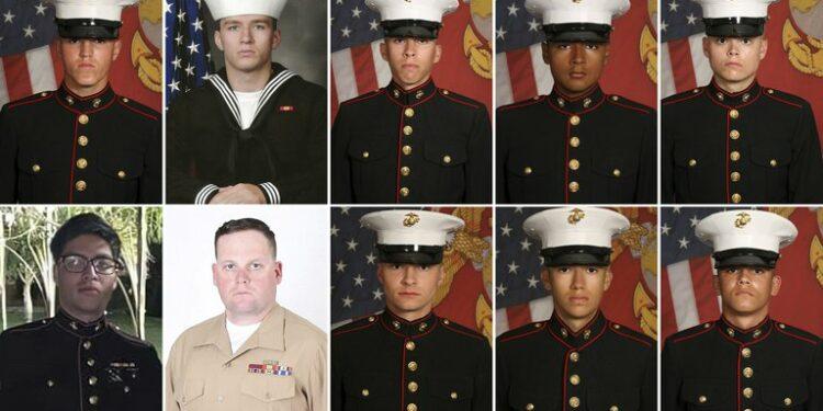 Diez de los 13 soldados fallecidos en el ataque.
