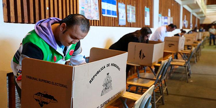Los hondureños están convocados para las elecciones generales a celebrarse el último domingo de noviembre de este año.