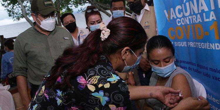 A finales del año se espera que cerca de siete millones de hondureños ya se hayan aplicado la vacuna contra el COVID-19.
