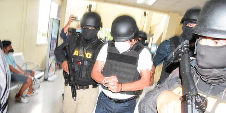 Fredy Donaldo Mármol Vallejo (36), es pedido en extradición por tres cargos relacionados al narcotráfico a gran escala y lavado de activos, ingresó cabizbajo a la CSJ.
