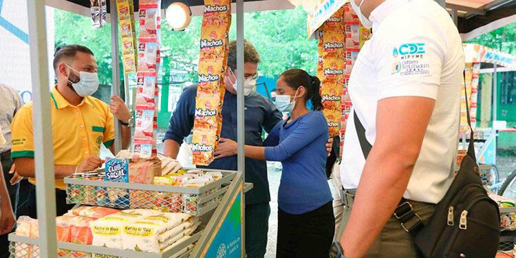 El Presidente Juan Orlando Hernández invitó a los emprendedores a multiplicar su capital semilla y generar ingresos.