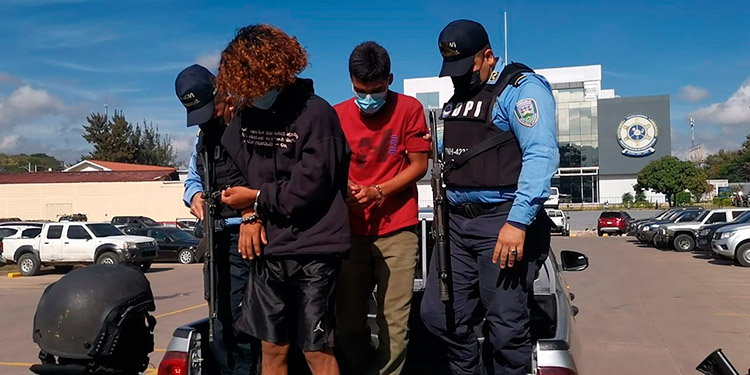 """""""Los González"""" son investigados por los ilícitos de robo a mano armada mediante intimación a carros repartidores, personas y automotores que transitan por Ojojona."""