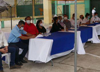Miembros de la municipalidad de Juticalpa, cuyo alcalde Huniberto Madrid y la vicealcaldesa, Karla Núñez, no asistieron al cabildo abierto.