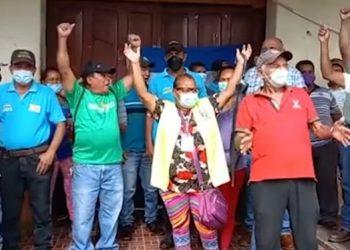 Los empleados municipales de Juticalpa afirmaron que llegarán a las últimas consecuencias en su protesta.