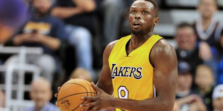 SALT LAKE CITY, UT - OCTOBER 28: Luol Deng #9 of the Los Angeles Lakers looks to shoot the ball during their game against the Utah Jazz at Vivint Smart Home Arena on October 28, 2016 in Salt Lake City, Utah. NOTE TO USER: User expressly acknowledges and agrees that, by downloading and or using this photograph, User is consenting to the terms and conditions of the Getty Images License Agreement. (Photo by Gene Sweeney Jr/Getty Images)