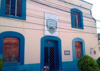 El edificio policial data desde hace 100 años aproximadamente.