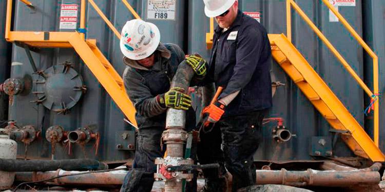 Los contratos de gasolina con vencimiento en septiembre restaron casi 7 centavos y terminaron en 2.08 dólares el galón.