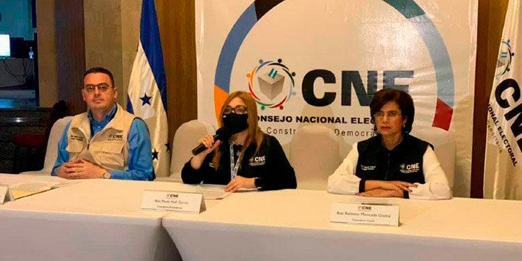 Los miembros del CNE aprobaron la compra del sistema biométrico.