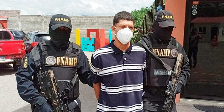 A Eric Benjamín Moncada Estrada (18) se le acusa del delito de extorsión en el barrio Villa Adela y zonas aledañas.