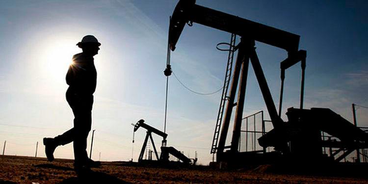 Los contratos de gasolina con vencimiento en octubre sumaron casi 10 centavos y terminaron en 2.12 dólares el galón.