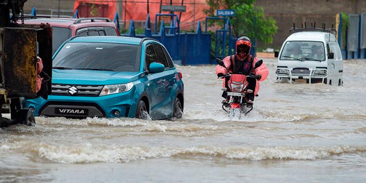 Las autoridades del Estado de Quintana Roo, en el sureste de México, indicaron que están en alerta y preparados para recibir el impacto de huracán Grace. (LASSERFOTO EFE)