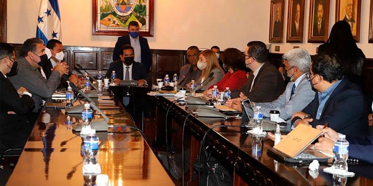 Los diputados aprobaron la ampliación del presupuesto del CNE en un solo debate.