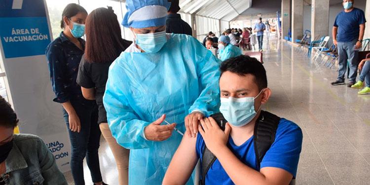 Según la Sesal, el 7.61 por ciento de la población hondureña ya completó su esquema de vacunación contra el COVID-19.