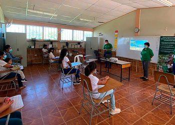 Se ha promocionado la nueva carrera en centros básicos de Siguatepeque.