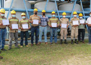 """Operadores culminaron el taller en las plantas """"Jaime Rosenthal"""" y """"Guaratoro""""."""